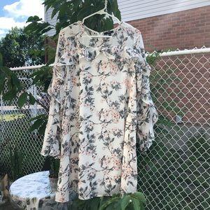☀️2/$30☀️Dress/Floral And Ruffle Summer Dress